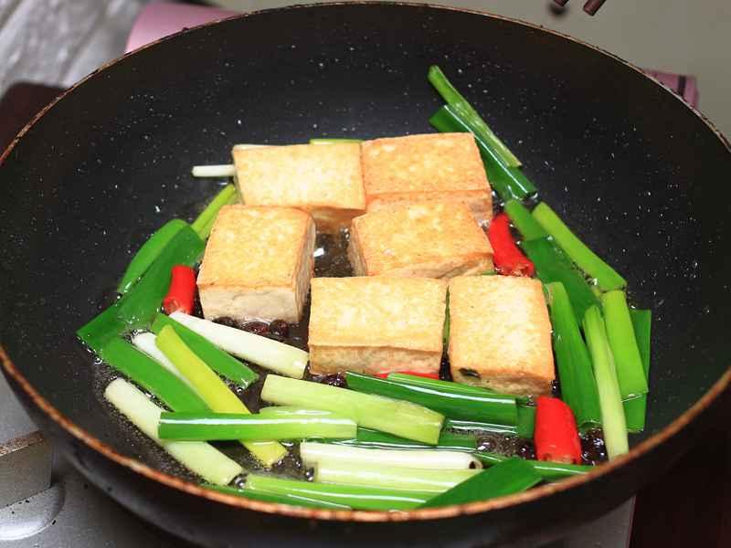 紅燒豆腐 - 經典家常菜,簡單輕鬆就完成