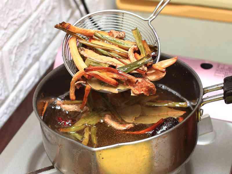 四川手工辣油 - 香氣逼人、胃口大開的好幫手