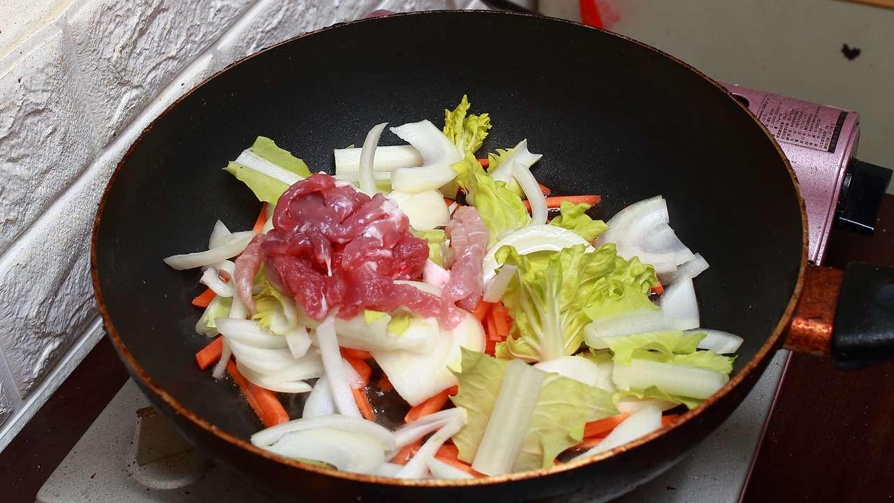 什錦海鮮炒麵 - 運用蝦湯讓味道更鮮美 Part5